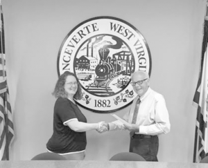 Earlier in the week, Byer was sworn into her new position by Ronceverte Municipal judge Ken Gazaway. Byer served as a council member before being elected as recorder in June.